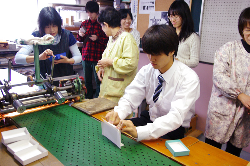 大阪市立大学商学部の学生さんが、弊社の工場見学