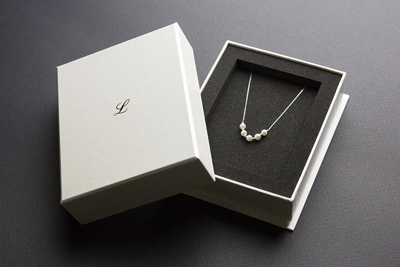ジュエリー(真珠)のパッケージ貼り箱、UXデザイン、CMFデザイン、化粧箱