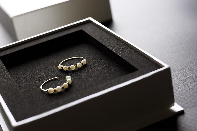 ジュエリー(真珠)のパッケージ貼り箱、人間中心設計(HCD)、UXデザイン、CMFデザイン、化粧箱