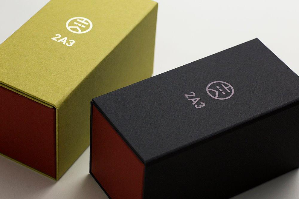 t透明感と艶のあるアナログな音に共感する女性たちへの真空管ギフトパッケージ。貼り箱、人間中心設計(HCD)、CMFデザイン、UX、ブランドストーリー、バリュープロポジション