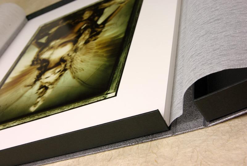 <野波浩ポートフォリオ1989-2007> Package Production: MURAKAMI Paper Box Factory 出版社:(株)ケイプラント 撮影:村上誠