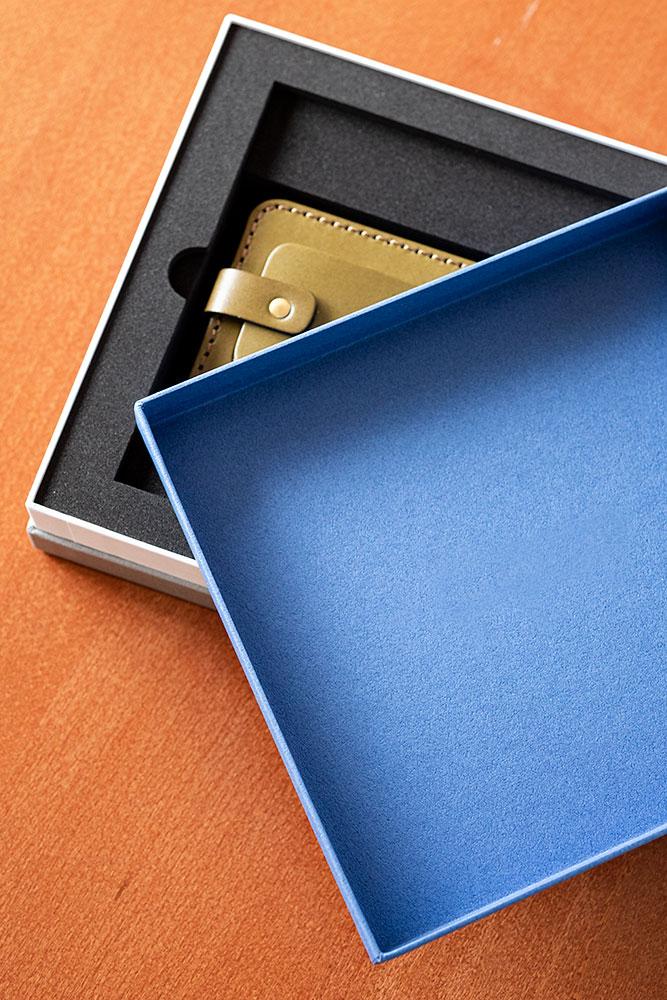 DVD、記念品、パスケースの化粧箱、パッケージ、インロー式、スリット入、高級感、お洒落、貼り箱