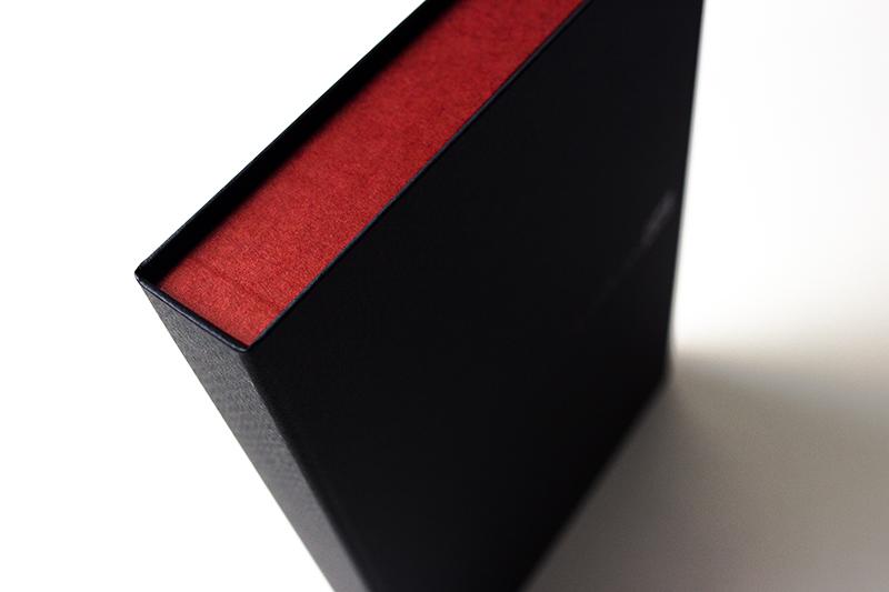 感性価値としてのCMFデザインと貼箱の関係、ブランド価値を伝えるパッケージ