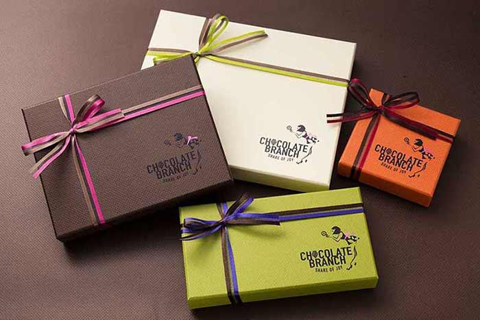 「感謝の気持ち」から生また素敵なチョコレートの貼り箱、人間中心設計(HCD)、CMFデザインパッケージ、UXデザイン、ブランドストーリー、パッケージからブランド構築までトータルにサポート
