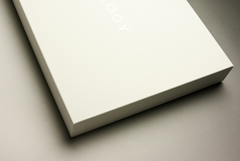 女性用ワークコートのパッケージ(貼箱)