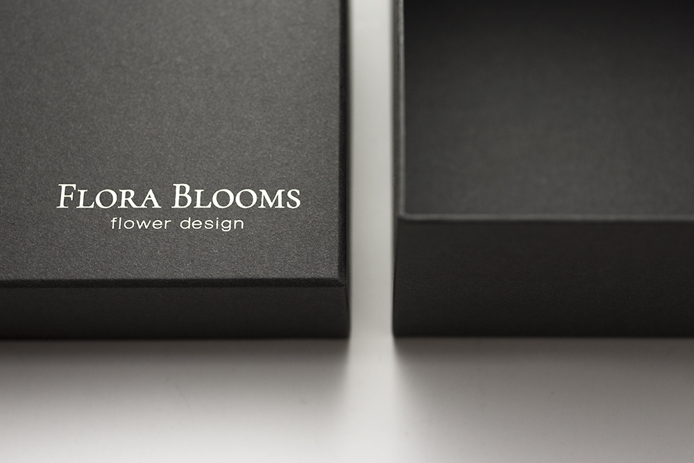 プリザーブドフラワーボックスの貼箱、CMFデザインパッケージ、UXデザイン
