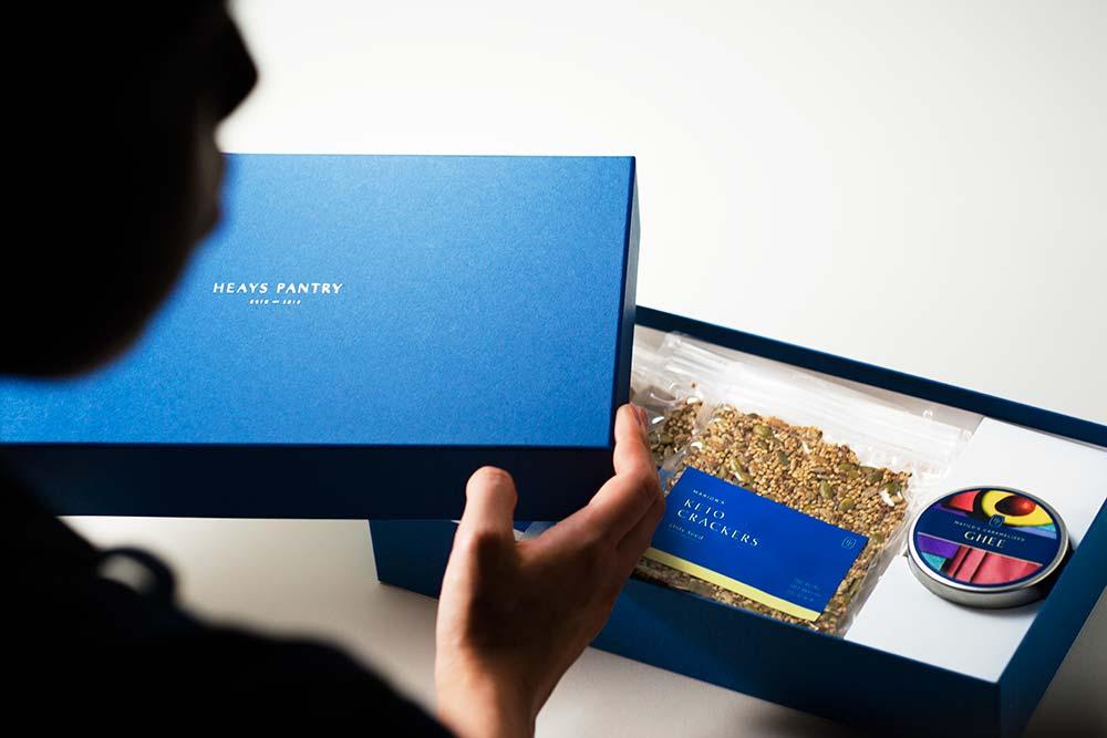 新型コロナ後を見据えたパッケージ、貼り箱、化粧箱、紙箱、ファンのためのモノづくり