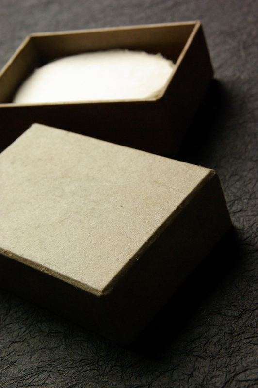創る和紙職人ハタノワタル氏とのコラボ貼箱