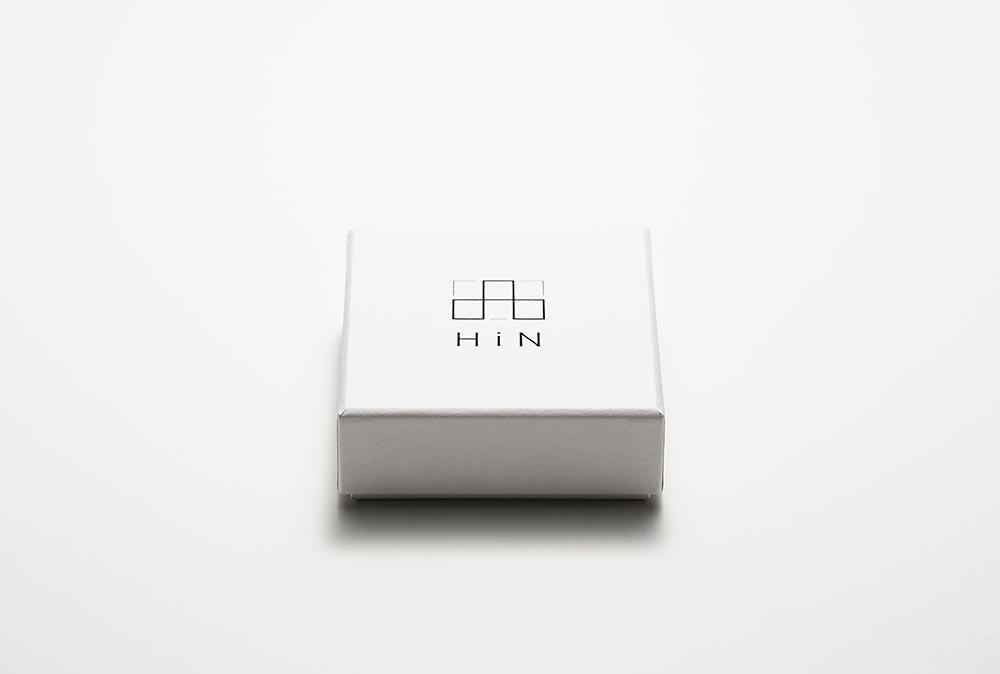 新しいスタイルを提案するジュエリーブランドのパッケージ、貼り箱、化粧箱
