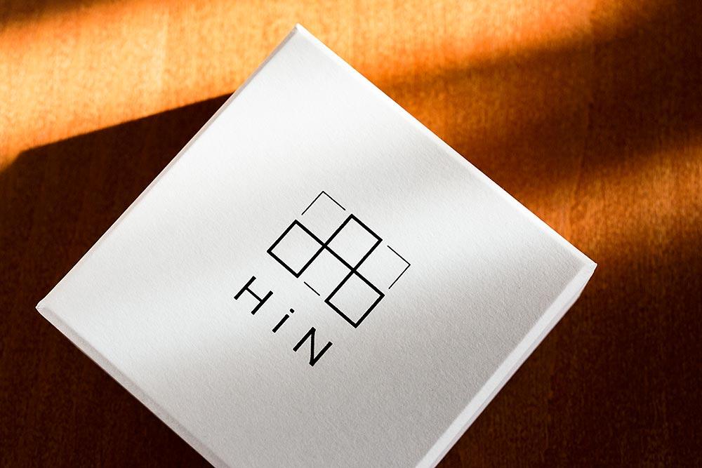 新しいスタイルを提案するジュエリーブランドのパッケージ、貼り箱、ギフトボックス