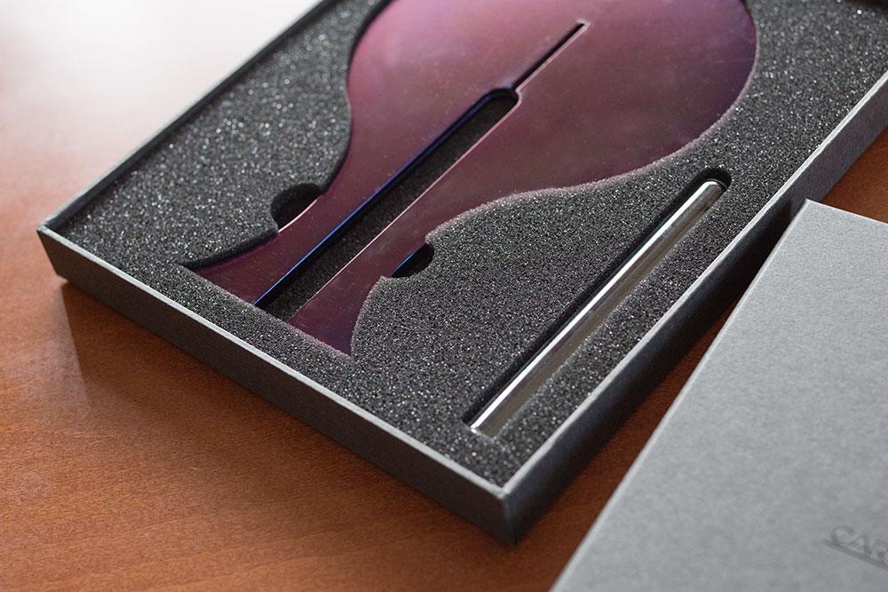 ブランディング構築の役割をするパッケージ、化粧箱、貼り箱、ラグジュアリー感