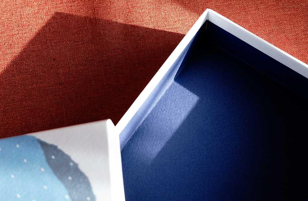 木版画の活版印刷を貼った貼り箱、マーメイド新色