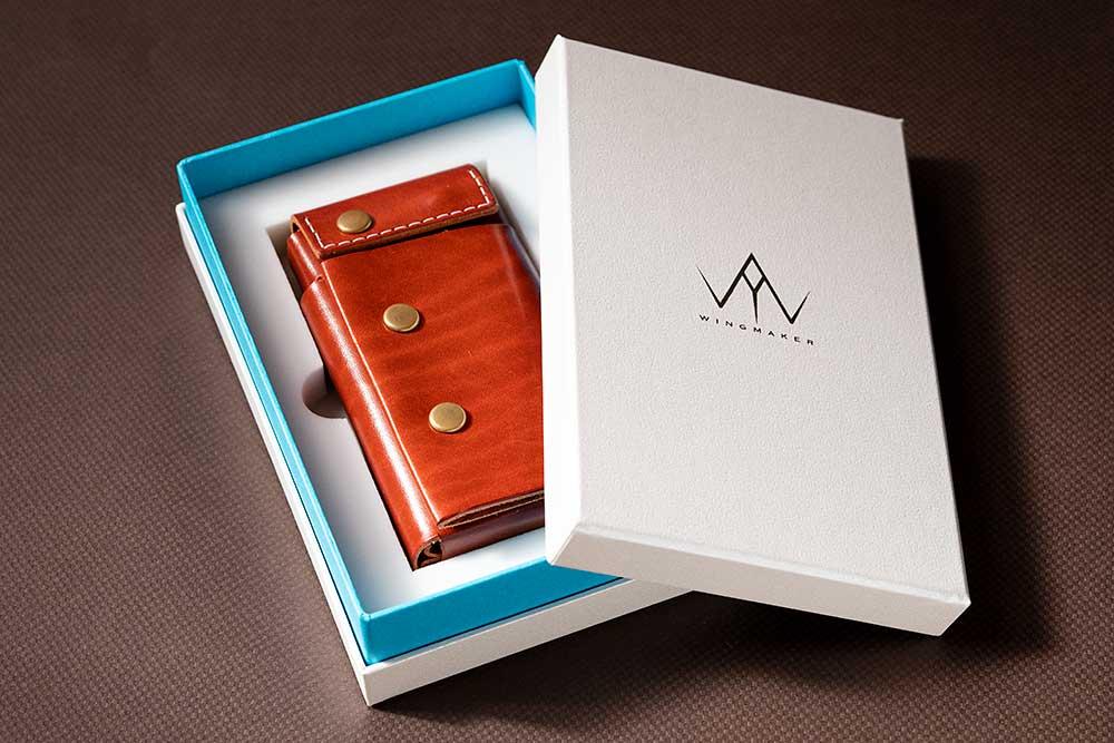 iPhoneのような箱、高級感、パッケージ、化粧箱、貼り箱、ブランディング、マーケティング