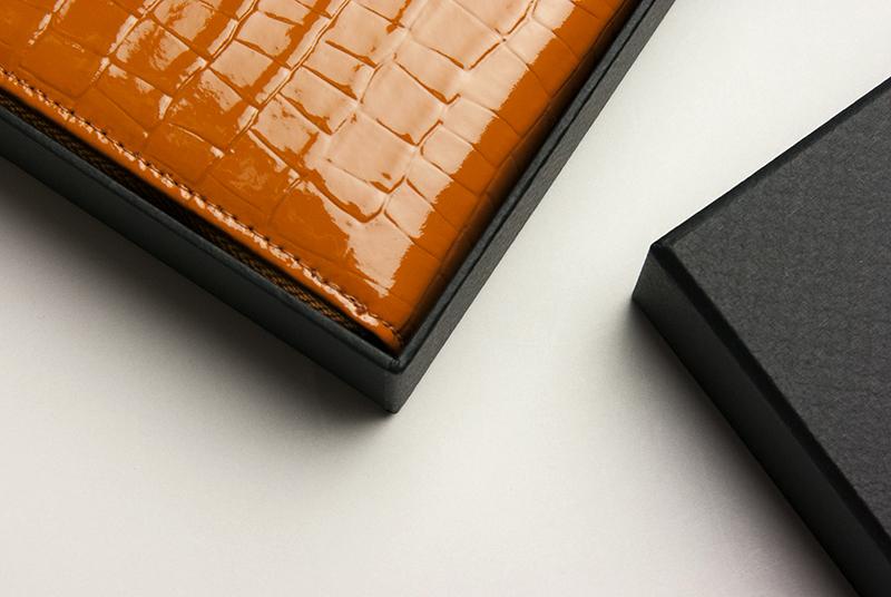 サイフ(財布)のパッケージ(貼箱)